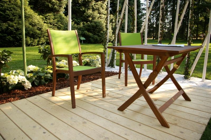 261627-garden-furniture